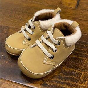 Old Navy Infant Shoes Sz 3-6 mos Brown Tan Boots